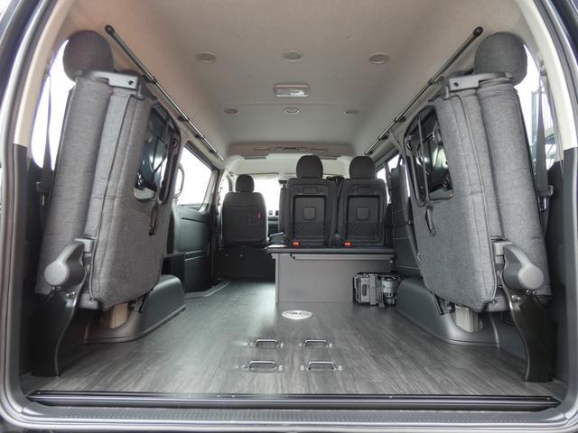 GL 床張り ベッド テーブル付きflexdreamライトキャンピングカーFD-BOX0 BrooklynStyleブラックデニムシートカバー LEDルームランプ アルミ&ナスカータイヤセット(10枚目)