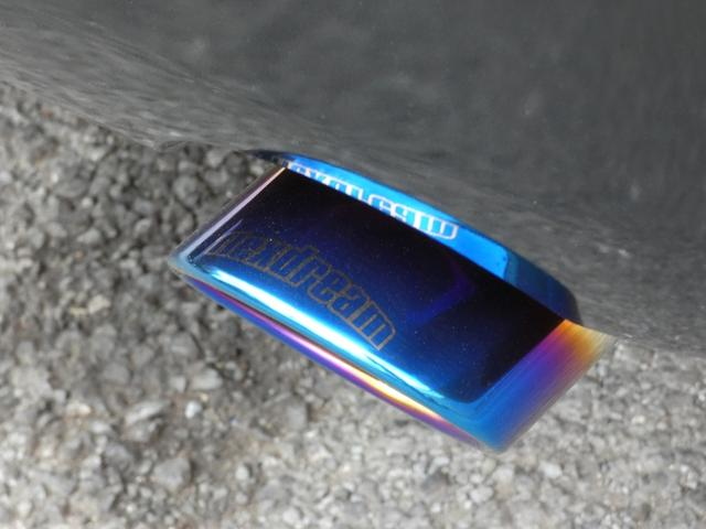 GL 床張り ベッド テーブル付きflexdreamライトキャンピングカーFD-BOX0 BrooklynStyleブラックデニムシートカバー LEDルームランプ アルミ&ナスカータイヤセット(15枚目)