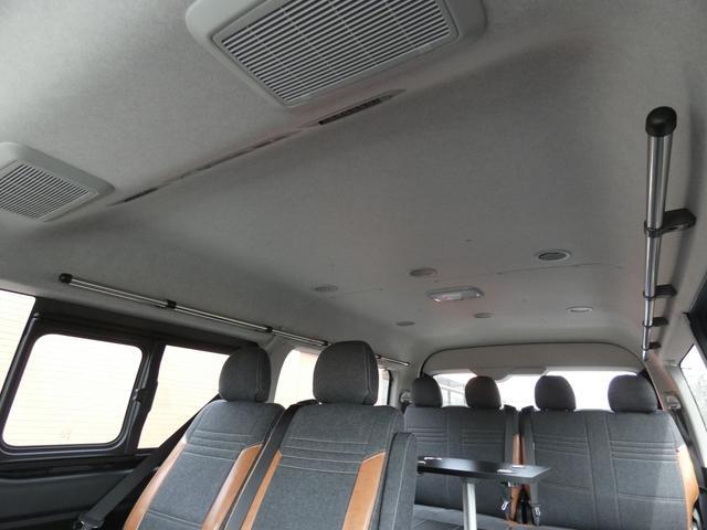 GL 床張り ベッド テーブル付きflexdreamライトキャンピングカーFD-BOX0 BrooklynStyleブラックデニムシートカバー LEDルームランプ アルミ&ナスカータイヤセット(16枚目)