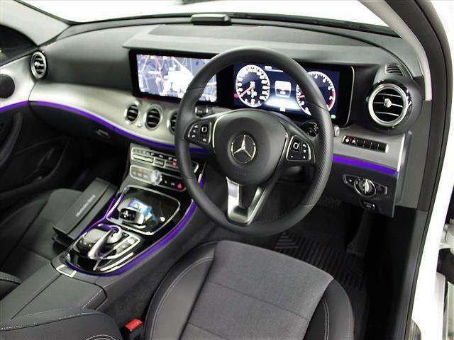 E200 4マチック アバンギャルド 2年保証 新車保証(4枚目)