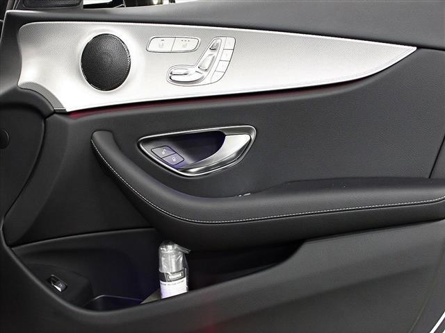 E200 4マチック アバンギャルド 2年保証 新車保証(9枚目)