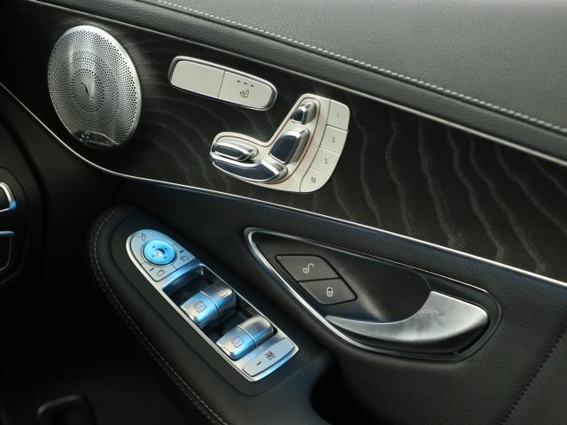 メルセデス・ベンツ M・ベンツ GLC250 4マチック スポーツ(本革仕様) 新車保証