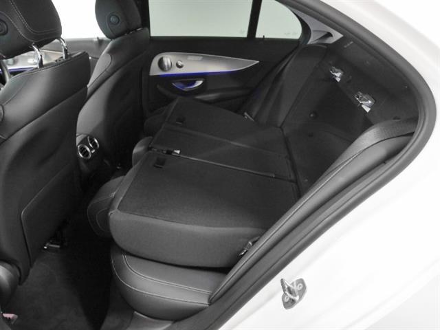 E200 アバンギャルド レザーパッケージ 新車保証(9枚目)