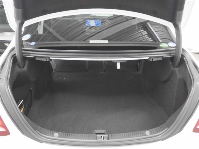 E200 アバンギャルド レザーパッケージ 新車保証(10枚目)