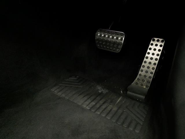 E200 クーペ スポーツ レザーパッケージ 2年保証 新車保証(26枚目)