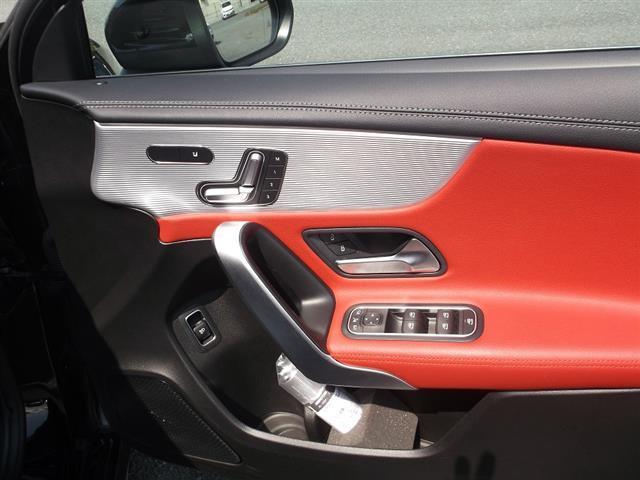 A250 4MATIC セダン AMGライン AMGレザーエクスクルーシブパッケージ レーダーセーフティパッケージ アドバンスドパッケージ ナビゲーションパッケージ 2年保証 新車保証(7枚目)