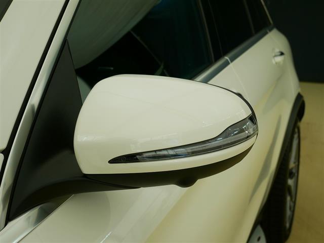 GLC63 S 4MATIC+ 2年保証 新車保証 Bluetooth接続 CD DVD再生 ETC LEDヘッドライト TV アイドリングストップ クルーズコントロール コネクテッド機能 サイドカメラ サンルーフ・ガラスルーフ(6枚目)