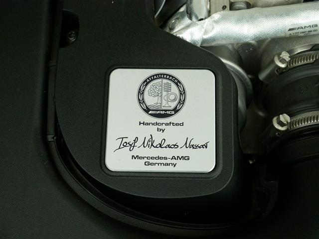 GLC63 S 4MATIC+ 2年保証 新車保証 Bluetooth接続 CD DVD再生 ETC LEDヘッドライト TV アイドリングストップ クルーズコントロール コネクテッド機能 サイドカメラ サンルーフ・ガラスルーフ(9枚目)