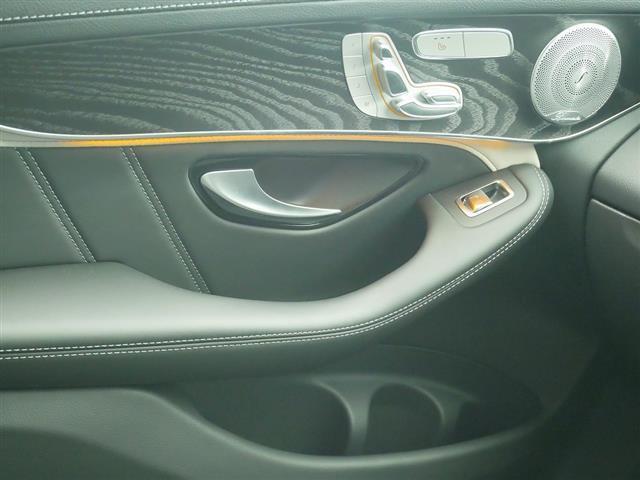 GLC63 S 4MATIC+ 2年保証 新車保証 Bluetooth接続 CD DVD再生 ETC LEDヘッドライト TV アイドリングストップ クルーズコントロール コネクテッド機能 サイドカメラ サンルーフ・ガラスルーフ(15枚目)