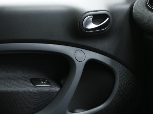 スマート スマートフォーツークーペ ターボ 新車保証