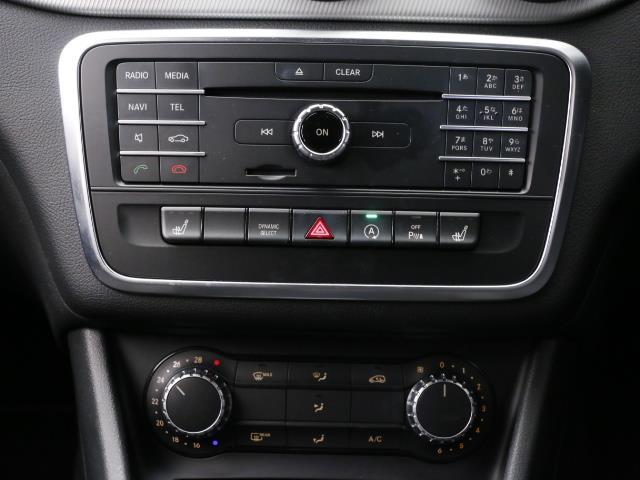 メルセデス・ベンツ M・ベンツ GLA180 レーダーセーフティパッケージ ベーシックP