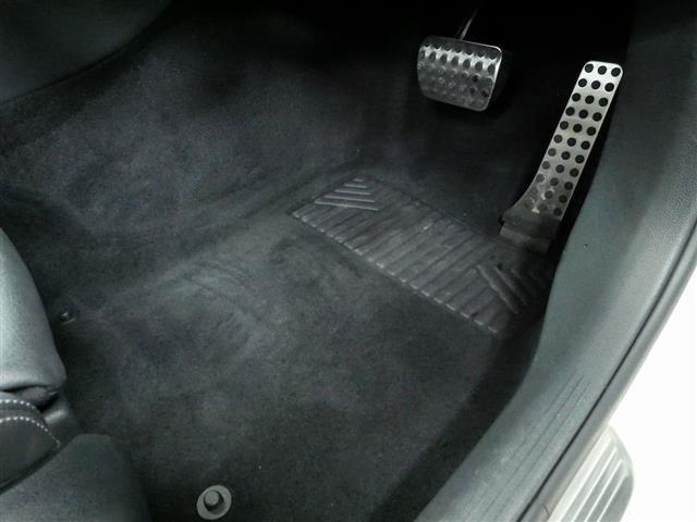 C220 d アバンギャルド AMGライン レザーエクスクルーシブパッケージ レーダーセーフティパッケージ 2年保証 新車保証(25枚目)