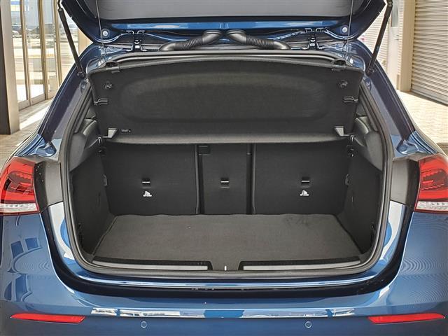 A180 スタイル AMGライン レーダーセーフティパッケージ アドバンスドパッケージ ナビゲーションパッケージ 2年保証 新車保証(3枚目)