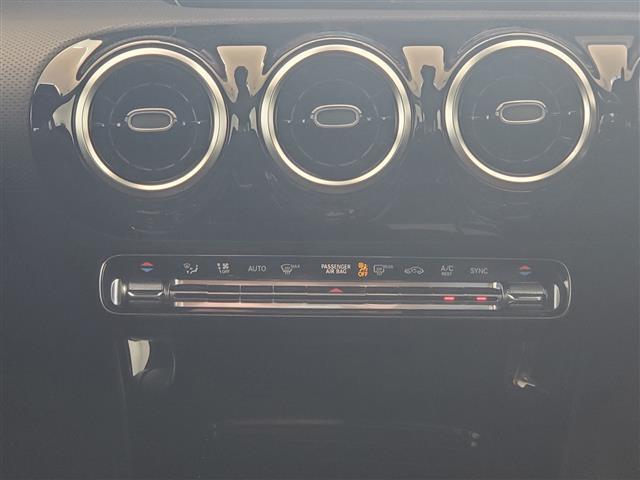 A180 スタイル AMGライン レーダーセーフティパッケージ アドバンスドパッケージ ナビゲーションパッケージ 2年保証 新車保証(7枚目)