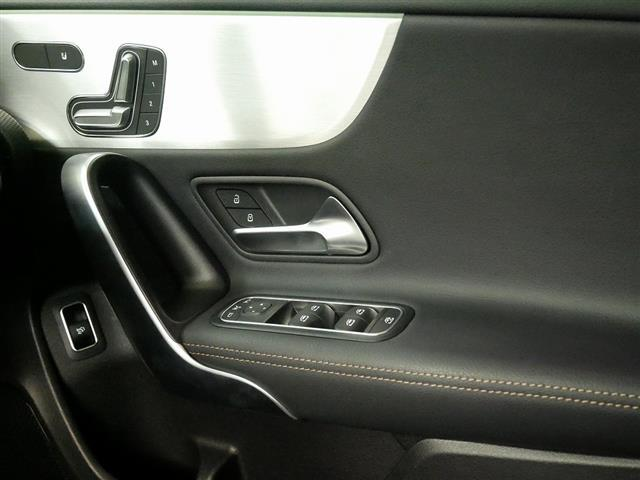 A250 4MATIC セダン エディション1 2年保証 新車保証(14枚目)