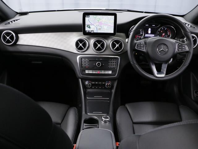CLA220 4MATIC シューティングブレーク 新車保証(9枚目)
