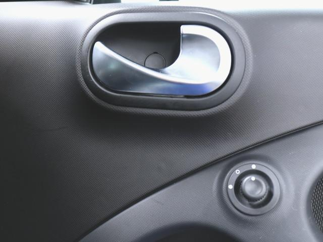 「スマート」「フォーフォー」「コンパクトカー」「兵庫県」の中古車19