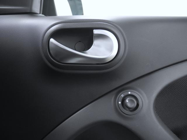 「スマート」「フォーフォー」「コンパクトカー」「奈良県」の中古車19