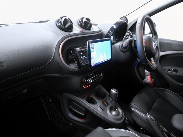 ブラバス エクスクルーシブ 2年保証 新車保証(4枚目)