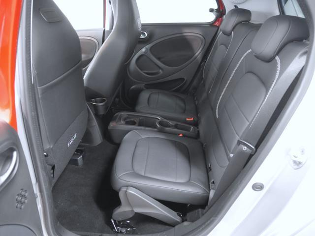 ブラバス エクスクルーシブ 2年保証 新車保証(7枚目)