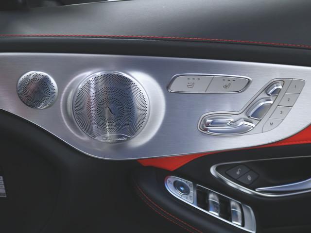 C63 S カブリオレ 2年保証 Bluetooth接続 CD DVD再生 ETC LEDヘッドライト TV アイドリングストップ クルーズコントロール シートヒーター トランクスルー ナビ バックモニター パワーシート(12枚目)