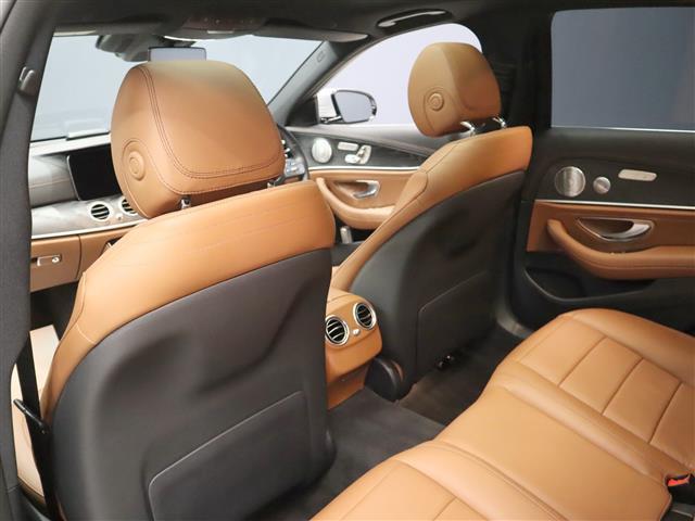 E200 アバンギャルド AMGライン エクスクルーシブパッケージ 2年保証 新車保証(10枚目)