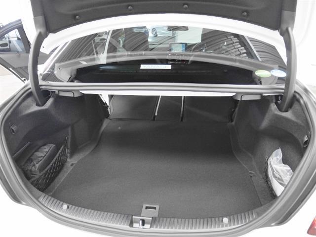 メルセデス・ベンツ M・ベンツ C180ローレウスエディション レーダーセーフティパッケージ
