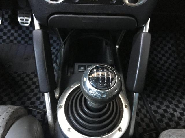 1.8Tクワトロ 左ハンドルディーラー車レザーシート(17枚目)