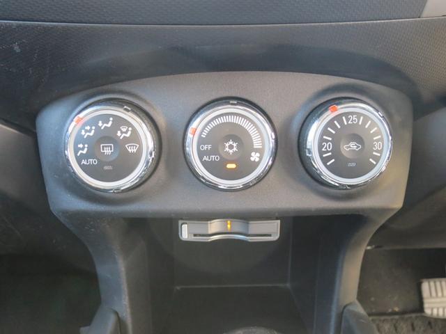 ローデスト24G SDDナビ/フルセグ/ドライブレコーダー/ETC/Bluetooth/DVD再生/3列シート7人乗/禁煙車/1オーナー(4枚目)
