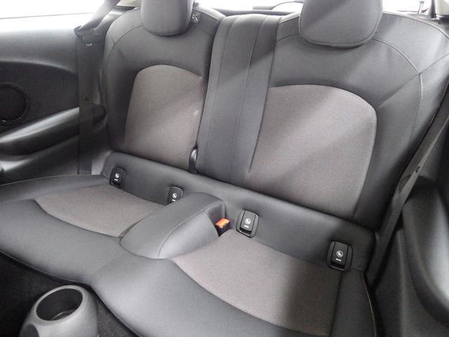 MINI MINI クーパーD ペッパーパッケージ 正規認定中古車