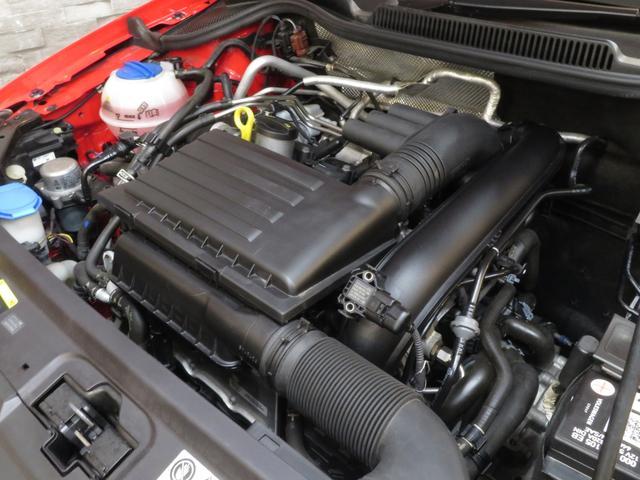 TSIコンフォートライン 2015MYモデル 衝突被害軽減ブレーキ 1.2Lターボ 7速DSG JC08モード燃費22.2km/リットル フロントアシストプラス マルチコリジョンブレーキシステム SDナビ ワンセグ AUX(40枚目)