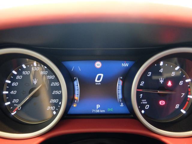 ベースグレード GranLusso 左ハンドル 赤革 ナビ ETC 19AW 新車保証継承(17枚目)