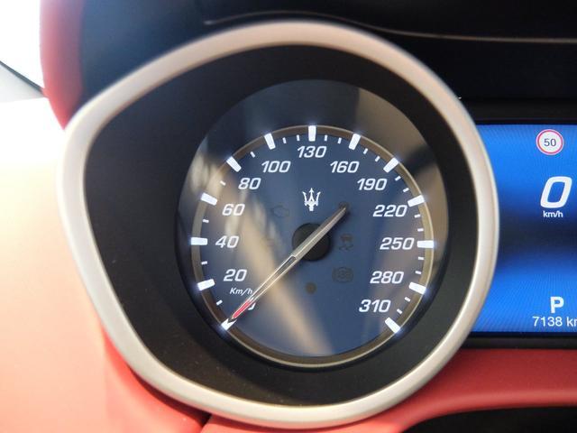 ベースグレード GranLusso 左ハンドル 赤革 ナビ ETC 19AW 新車保証継承(18枚目)