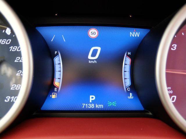 ベースグレード GranLusso 左ハンドル 赤革 ナビ ETC 19AW 新車保証継承(19枚目)