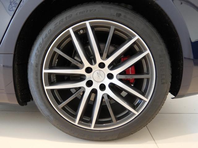 ベースグレード GranLusso 左ハンドル 赤革 ナビ ETC 19AW 新車保証継承(34枚目)