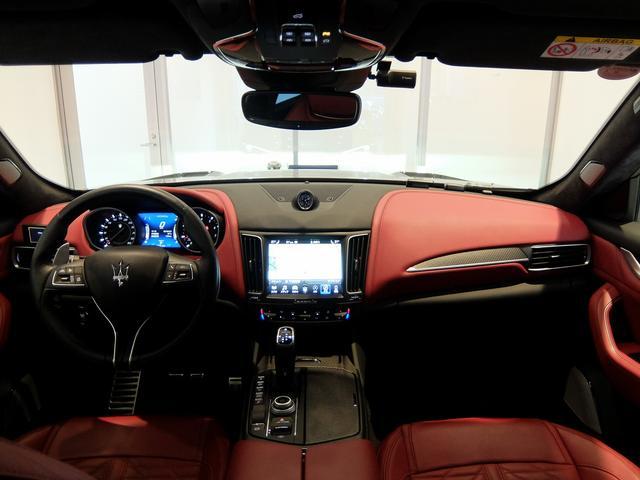 TrofeoV8 左ハンドル 赤革 ナビ ETC 全方位カメラ SR 全席シートヒーター 21AW 新車保証継承(11枚目)