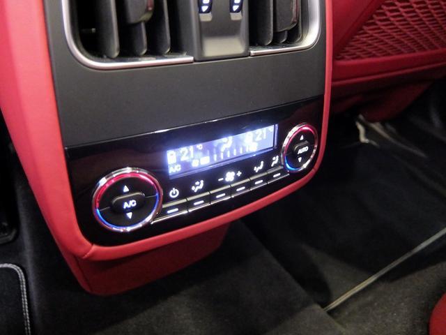 TrofeoV8 左ハンドル 赤革 ナビ ETC 全方位カメラ SR 全席シートヒーター 21AW 新車保証継承(26枚目)
