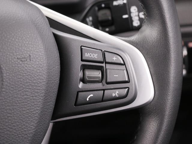 BMW BMW 218dアクティブツアラー プラス・パーキングサポートP