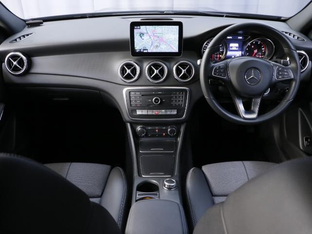 GLA180 レーダーセーフティパッケージ 新車保証(9枚目)