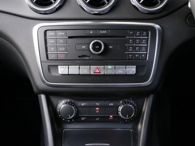 GLA180 レーダーセーフティパッケージ 新車保証(12枚目)