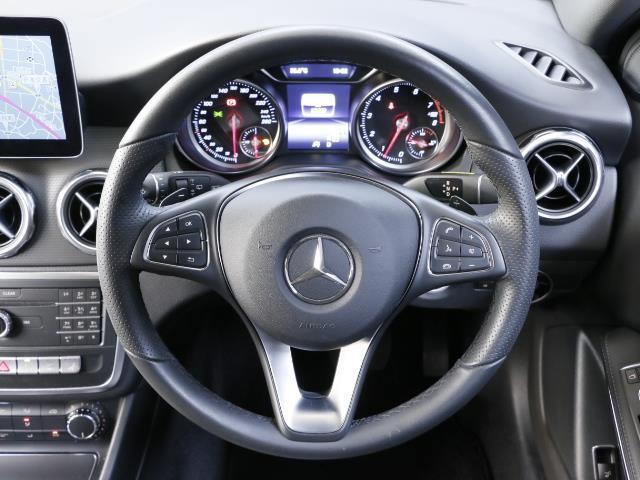 GLA180 レーダーセーフティパッケージ 新車保証(15枚目)
