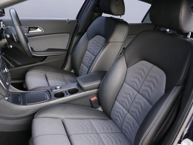 GLA180 レーダーセーフティパッケージ 新車保証(17枚目)