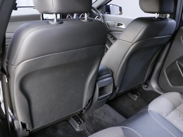 GLA180 レーダーセーフティパッケージ 新車保証(19枚目)