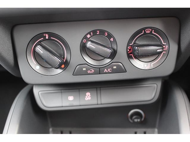 アウディ アウディ A1スポーツバック 1.0TFSIキセノン認定中古車