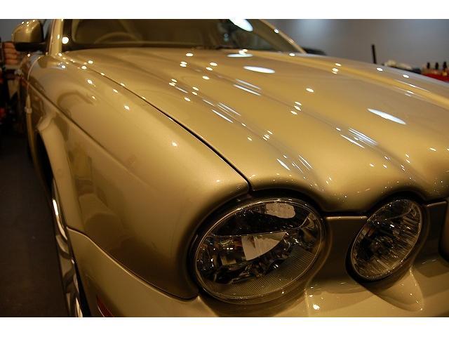 ジャガー ジャガー XJ 後期型 ウィンターゴールド 革シート 19インチAW