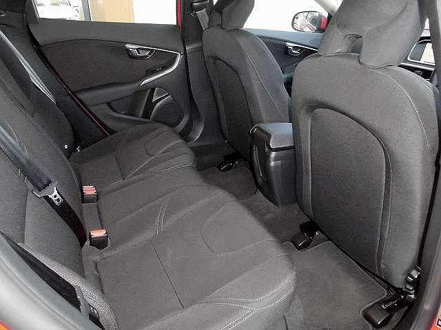 ボルボ ボルボ V40 T3 キネティック 自動ブレーキ・安全装備インテリセーフ11