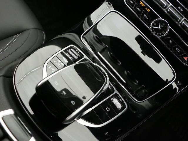 メルセデス・ベンツ M・ベンツ E220 d アバンギャルド スポーツ レザーパッケージ