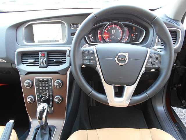 ボルボ ボルボ V40 クロスカントリー T5 AWD サマム