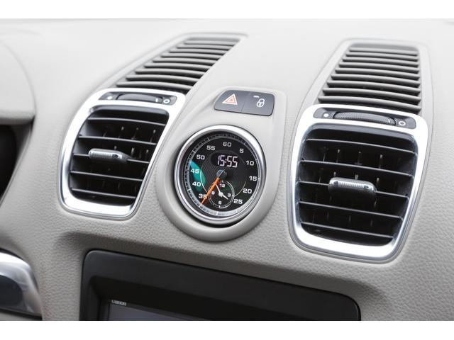 人気のオプション装備、スポーツクロノパッケージ搭載車輌です!!スポーツモード・スポーツモードプラスも装備されております!ドライブが更に一段階楽しくなる装備です!!TEL:045-348-3232