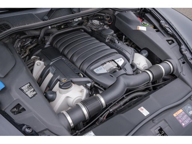V8、4800ccの大排気量エンジンは、カタログ値で420馬力を発揮します!SUVとは思えない加速をお楽しみいただけます!!TEL:045-348-3232